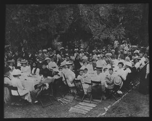 A III 5; Glasplattendia; König Gustafs Geburtstag [wohl American Colony Hotel, Jerusalem]