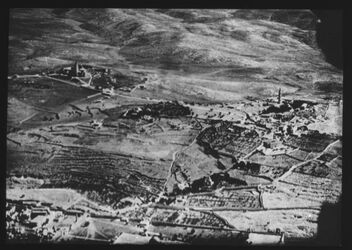 Glasplattendia Ölberg v. W. (Fliegerbild) c. 1917 [Jerusalem, Umgebung]