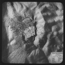 Glasplattendia Raised map of Jerusalem + environs 2075