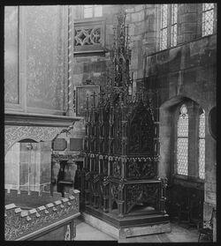 Glasplattendia Zwickau, S. Marienkirche. Sog. Grab Christi