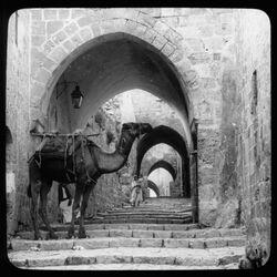 Glasplattendia Street of arches [Jerusalem]