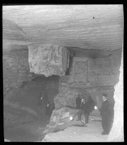 Glasplattendia Höhle unter Jerusalem