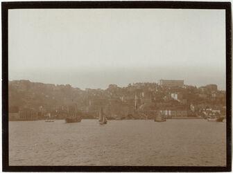Fotografie Konstantinopel [Istanbul], Gulata, Deutsche Botschaft