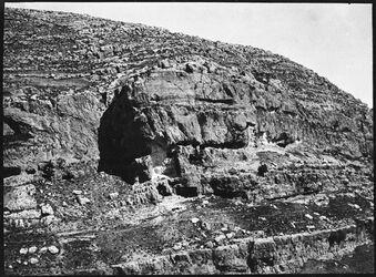 GDIs00415; Fotografie; el 'olelijad w. [wadi] swenit [Nachal Michmas], aus Nachlass von rund 880 Fotografien von Valentin Schwöbel