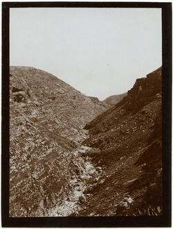 Fotografie w. [wadi] swenit Blick n O. Kurnit eggis (cf. [?] 203[GDIs00415]) [Nachal Michmas]