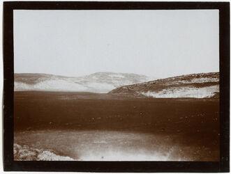 Fotografie w. [wadi] es-sant, Blick n. W (tell zakaria) [Wadi es-samt, Tell Zakariia]