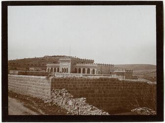 Fotografie Armen. Waisenhaus in ras el-akra
