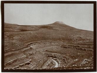 Fotografie el-ferdis v. S. w. [wadi] chritun [Herodium/Wadi Charetun]
