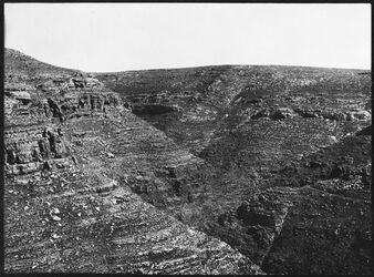 GDIs00464; Fotografie; w. [wadi] chritun [Wadi charetun], aus Nachlass von rund 880 Fotografien von Valentin Schwöbel