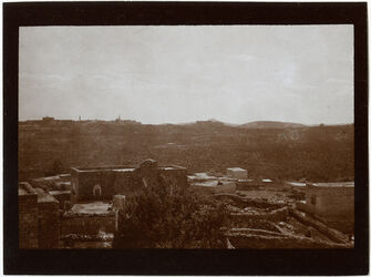 Fotografie v. Dach d. D.Kirche [Bethlehem, Weihnachtskirche] in bitgala [bitdschala, bitdjala] Bethlehem u. ferdis