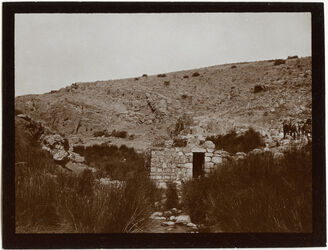 GDIs00483; Fotografie; hammam 'en maleh [Quelle im wadi maleh], aus Nachlass von rund 880 Fotografien von Valentin Schwöbel