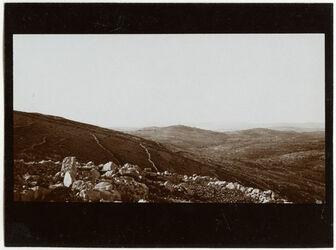 Fotografie von der Passhöhe oberhalb tubas Blick n. O. [Tuubaas]