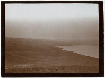 Fotografie Blick v. SW über el-ruwer nach See n Hermon [See Genezareth]