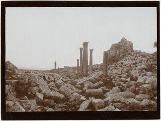 Fotografie Geras [Gerasch, Gerasa], Säulenstr. beim Nymphäum v N