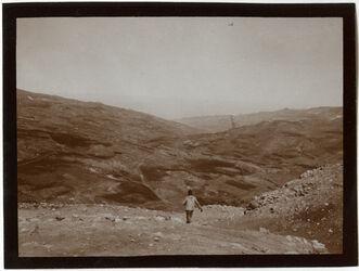 Fotografie w. [wadi] el-kerak von außerhalb el-kerak [kerak, Umgebung]