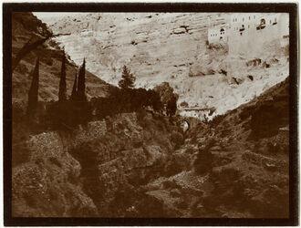Fotografie wadi Kelt mit Kloster