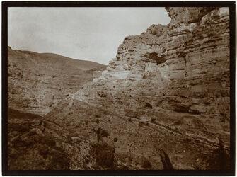 Fotografie w. Kelt Tal östl. v. Georgskloster [wadi kelt]