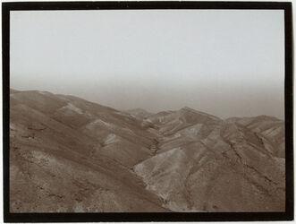 Fotografie Blick am Kamm des muntar [el muntar] nach N abfallende Schichten des muntar