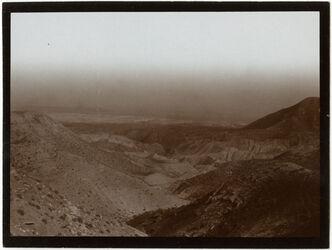 Fotografie Blick v. n. musa n. O. über w. debr [wadi debr, nebi musa]