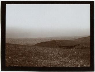 Fotografie Blick n. d. Südende des T. Meers [Totes Meer] etwa v. abu Kafata [?]