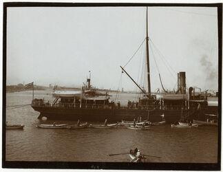 Fotografie Port Said Dampfer u. Bagger vor dem Kanal