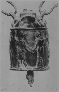 Glasplattendia Berlin, Staatl. Mus., Apotropäische Glocke aus Assur