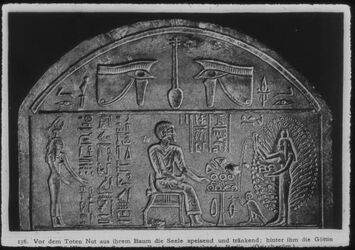 Glasplattendia Berlin, Stele mit Nut, die Seele speisend, links die Göttin des Westens. Griech. Röm. Periode