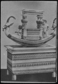 Glasplattendia Kairo, Nat. Mus., Festbarke aus Grab des Tutanchamun