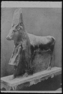 Glasplattendia Kairo. Nat. Mus., Kultbild der Göttin Hathor
