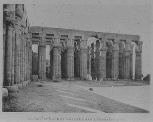 Glasplattendia Säulenhof und Vorhalle des Luksortempels [Luxor] z.Zt. Ramses I. begonnen