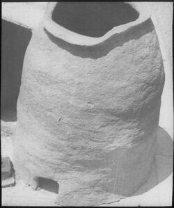 Glasplattendia tannur [Backofen, wohl: Deutsches Palästina-Institut, Jerusalem]