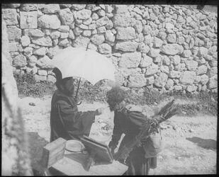 Glasplattendia Pilger vor Ostern gesalbt nach Kuss des Heiligenbildes am Ölberg