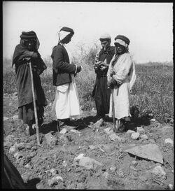 Glasplattendia Beduinen unterhalb Hippos [Kalat el-hosn]