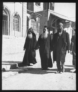Glasplattendia armen. u. syr. (?) Priester, Jer. [Jerusalem]