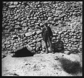 Glasplattendia Palästina Grabeingang, Möglicher weise im w. er-rababi [Besan/Ben-Hinnomtal]