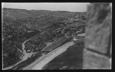Glasplattendia Blick ins Kidrontal, rechts Tempelmauer [Jerusalem]