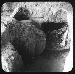 Glasplattendia Rolling Stone at the Tombs of the Kings [Jerusalem]