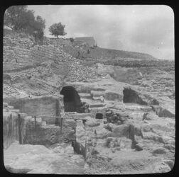 Glasplattendia Ausgrabungen [Raymond] Weils [Jerusalem]