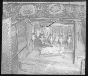 Glasplattendia Krippe in der Geburtskirche, Bethl. [Bethlehem]