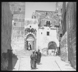 Glasplattendia Hebron, Haupteingang z. Haram