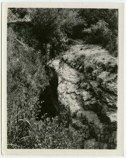 Fotografie belka Höhle