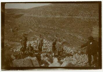 Fotografie In Etam [Etham] beim Messen, Möller