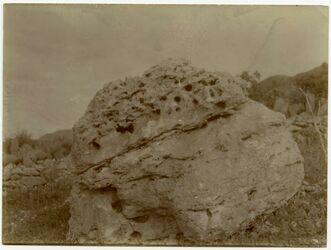 Fotografie Stein bei Quelle v. errame [er-rame]