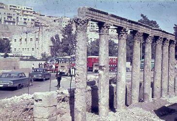 Dia Amman Säulen nördl. röm. Theater