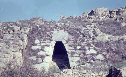 Dia Ras Schamra [Ras esch-schamra] Eingang an d. Stadtmauer