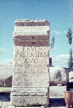 Dia Baalbek Opferhof in […?] Vespasian [?]