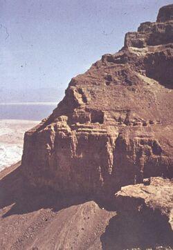 Dia [Masada, es-sebbe] Nordflanke von W. Mitte Zisternen