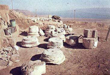 Dia [Masada, es-sebbe] Architekt. + Teile d. ob. Terrasse