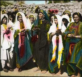 Glasplattendia Fellachen-Hochzeit Klatschreigen der Frauen. [Ramallah]