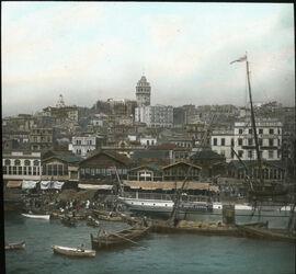 Glasplattendia Galata vom Bosporus aus [Istanbul]